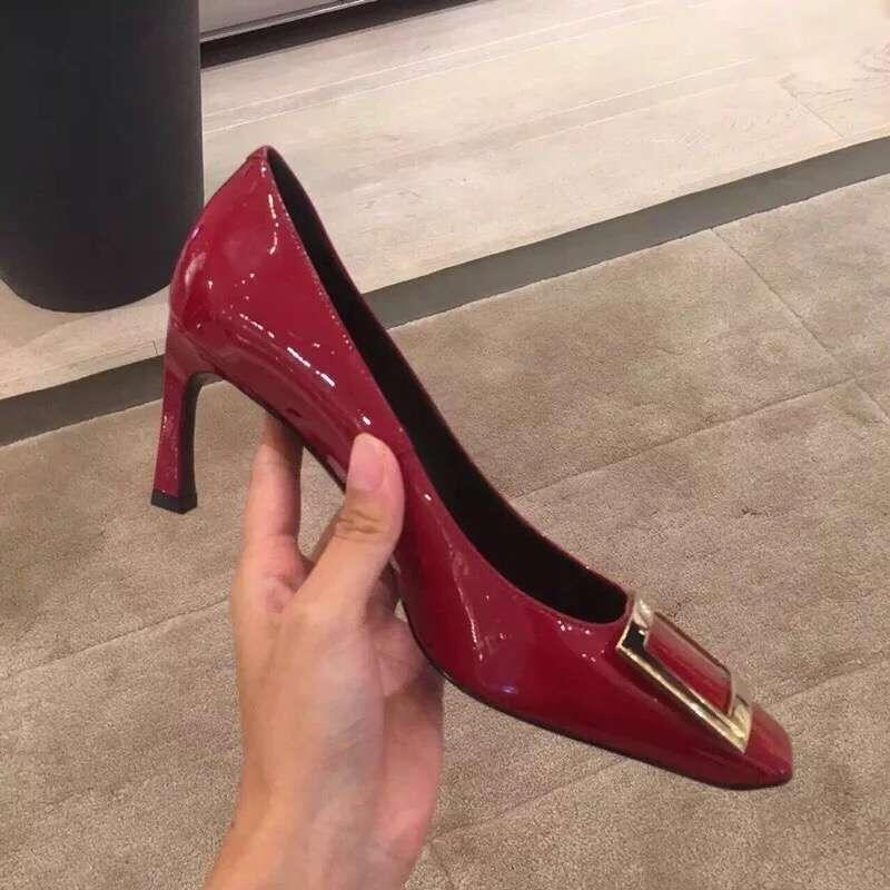 红色高跟鞋 2020秋ins新款方扣香蕉跟单鞋中跟细跟方头性感红色高跟鞋女婚鞋_推荐淘宝好看的红色高跟鞋