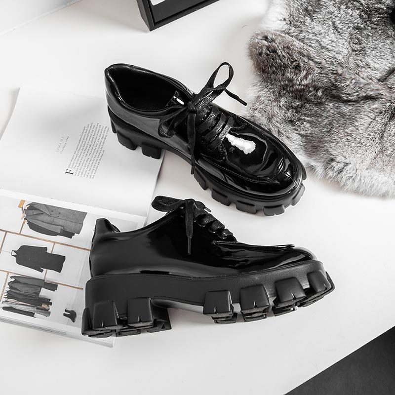 黑色松糕鞋 松糕鞋女厚底2020春秋新款黑色漆皮增高学院风网红同款英伦小皮鞋_推荐淘宝好看的黑色松糕鞋