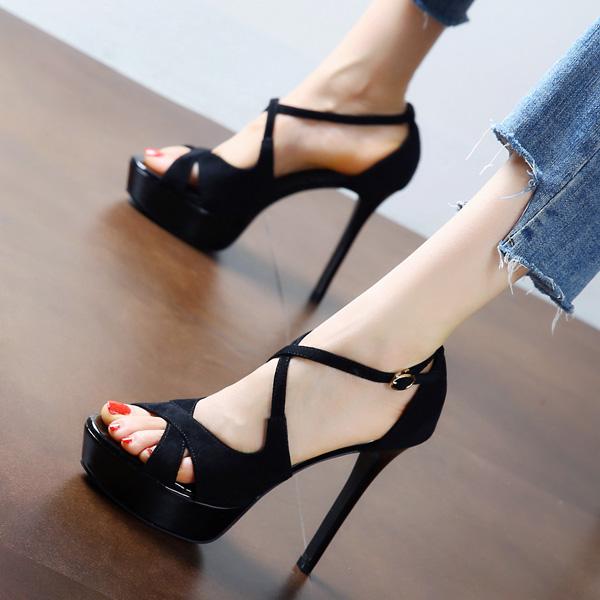 黑色凉鞋 黑色性感交叉一字扣带凉鞋女夏2020新款欧美防水台细跟鱼嘴高跟鞋_推荐淘宝好看的黑色凉鞋