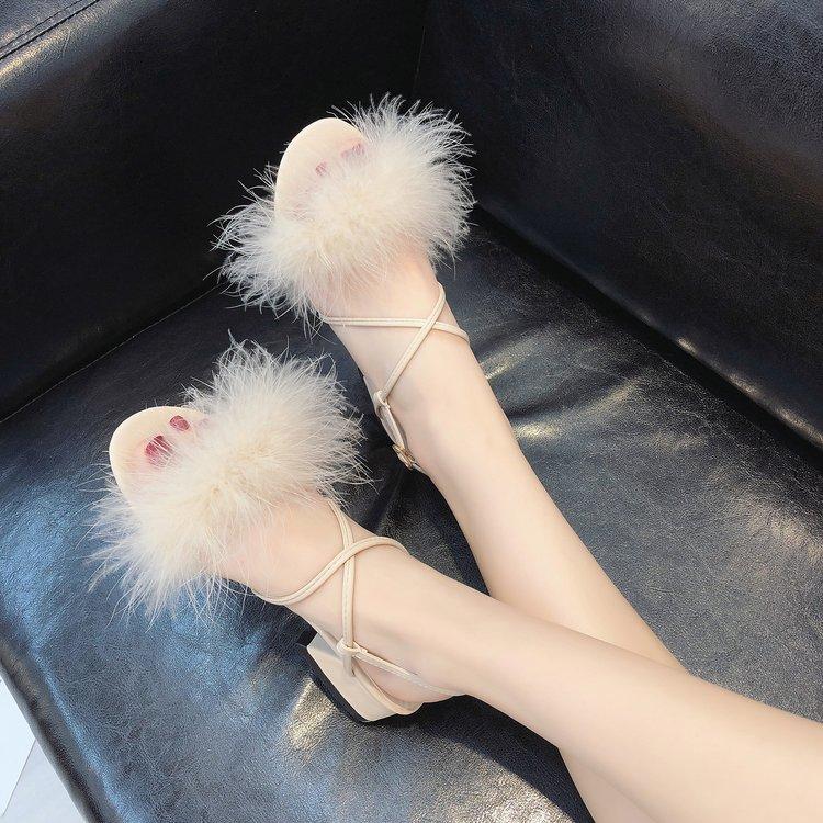达芙妮罗马鞋 凉鞋2020新款女学生夏交叉绑带一字扣女鞋时尚粗跟毛毛鞋罗马鞋子_推荐淘宝好看的达芙妮罗马鞋