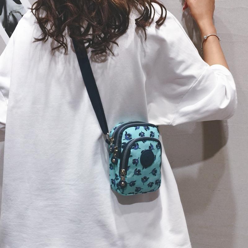 斜挎小包 斜挎手机包女2020新款迷你小包韩版竖款零钱包小百搭单肩帆布包包_推荐淘宝好看的女斜挎小包