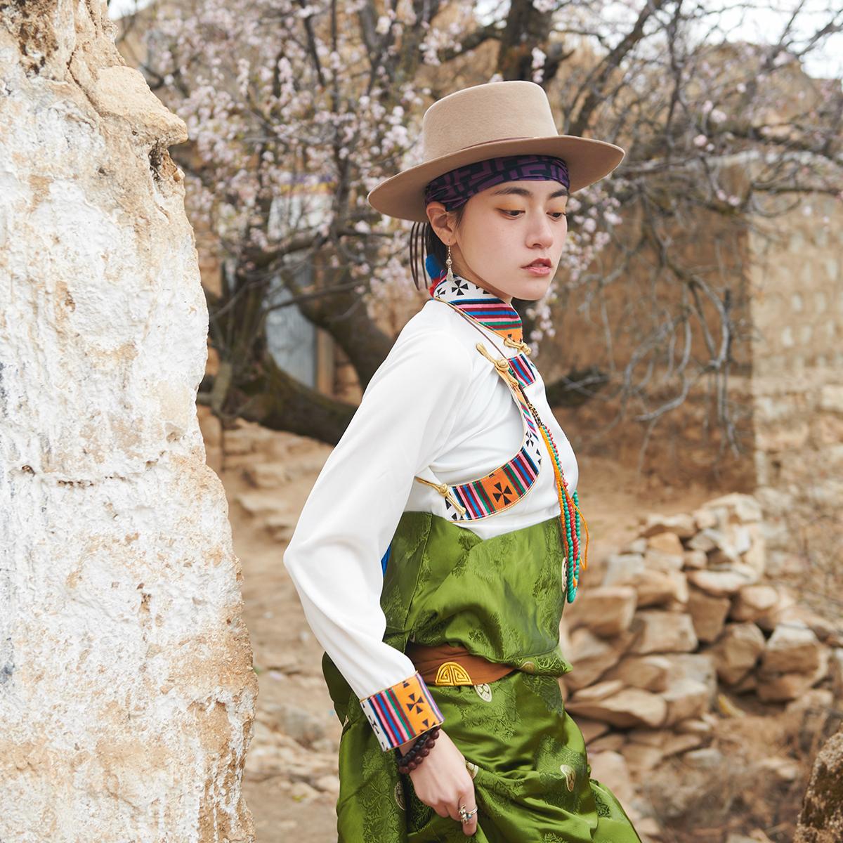 服装 西藏藏风衬衣藏装女 氆氇上衣传统藏袍 藏族衣服女 民族风服装_推荐淘宝好看的服装