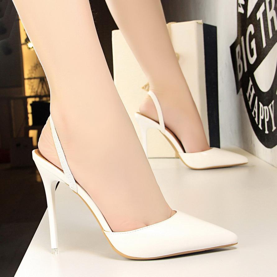白色尖头鞋 2021春夏季新款白色小清新包头半拖鞋法式少女高跟鞋女细跟尖头单_推荐淘宝好看的白色尖头鞋