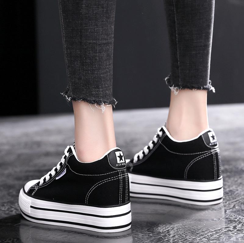 黑色松糕鞋 新款厚底内增高帆布鞋女2020秋季百搭小白鞋休闲松糕鞋黑色板鞋潮_推荐淘宝好看的黑色松糕鞋