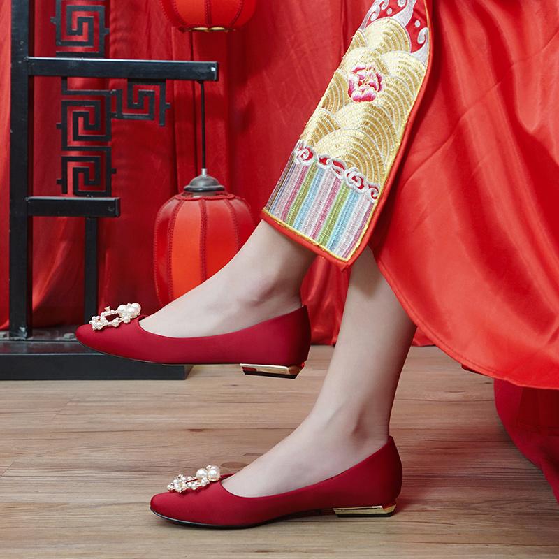 红色平底鞋 结婚鞋子女平底2020年新款中式秀禾服新娘鞋孕妇大红色方头水晶鞋_推荐淘宝好看的红色平底鞋