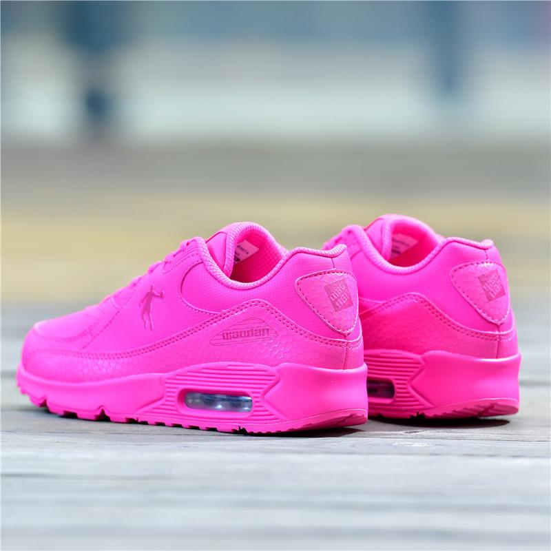 粉红色运动鞋 乔丹女鞋气垫跑步鞋学生纯粉红色运动鞋皮面减震旅游鞋乔丹正品鞋_推荐淘宝好看的粉红色运动鞋