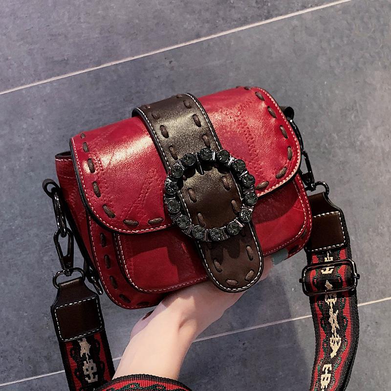 红色复古包 黛茜 今年流行高级感复古包包女夏2021新款潮网红宽带红色斜挎包_推荐淘宝好看的红色复古包