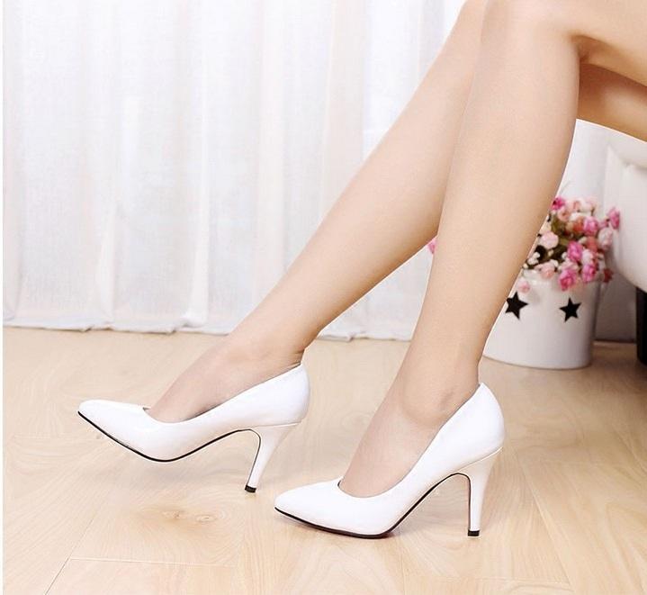 白色高跟单鞋 欧美春秋白色尖头高跟鞋细跟漆皮中跟浅口百搭OL单鞋职业工作女鞋_推荐淘宝好看的女白色高跟单鞋