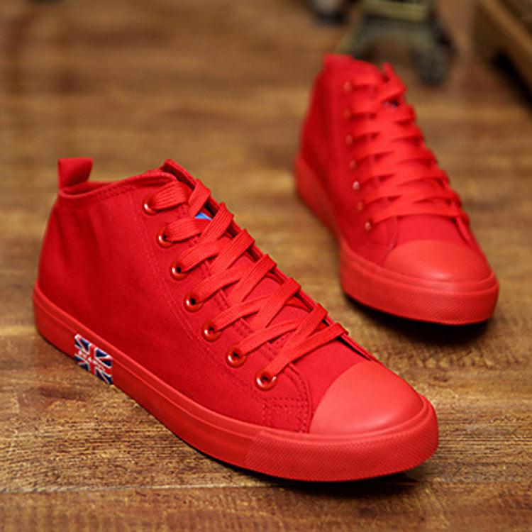 红色高帮鞋 2021春季情侣款帆布鞋女男大红色布鞋韩版潮黑白板鞋高帮学生单鞋_推荐淘宝好看的红色高帮鞋