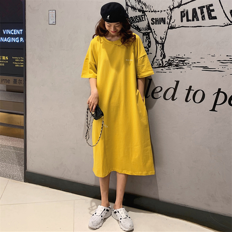 黄色连衣裙 夏装新款韩版宽松大码懒人连衣裙女过膝口袋黄色长款t恤女长裙子_推荐淘宝好看的黄色连衣裙