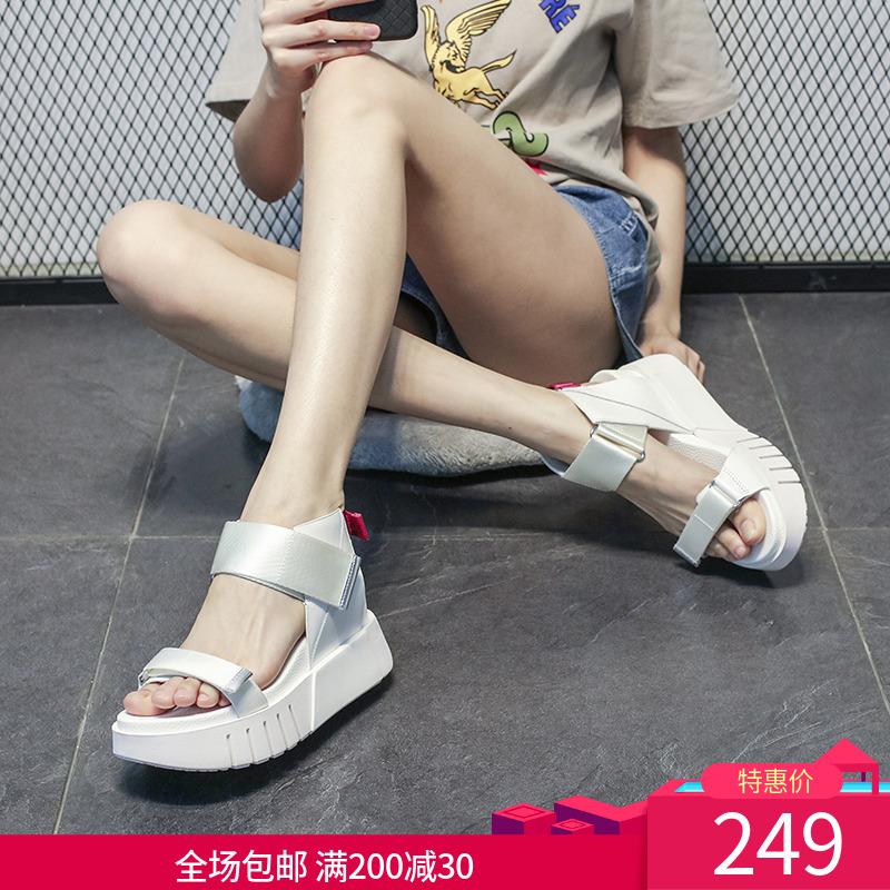 白色鱼嘴鞋 欧洲站罗马凉鞋女2020夏季新款真皮白色露趾魔术贴厚底松糕鞋欧货_推荐淘宝好看的白色鱼嘴鞋