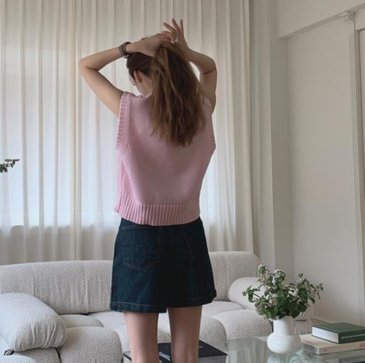 粉红色马甲 Miweike韩国东大门代购早秋新品减龄粉红色细腻质感针织马甲_推荐淘宝好看的粉红色马甲