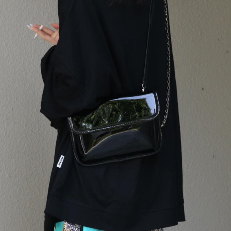 黑色链条包 美伢包包2021新款潮网红双链条包女黑色斜挎包甜酷百搭漆皮包简约_推荐淘宝好看的黑色链条包
