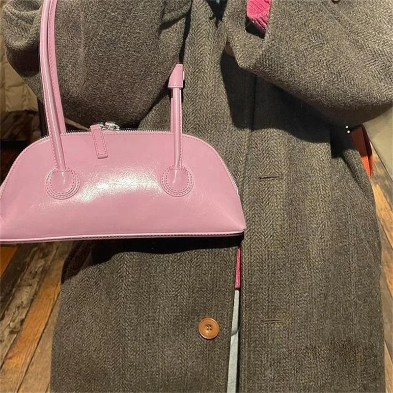 粉红色糖果包 粉色糖果色复古油蜡皮法棍包百搭休闲ins单肩腋下包粉红色包包_推荐淘宝好看的粉红色糖果包