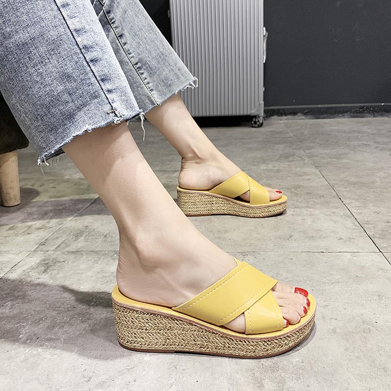 黄色坡跟鞋 凉拖鞋女2021新款外穿网红懒人坡跟厚底脚宽胖ins潮时尚黄色拖鞋_推荐淘宝好看的黄色坡跟鞋