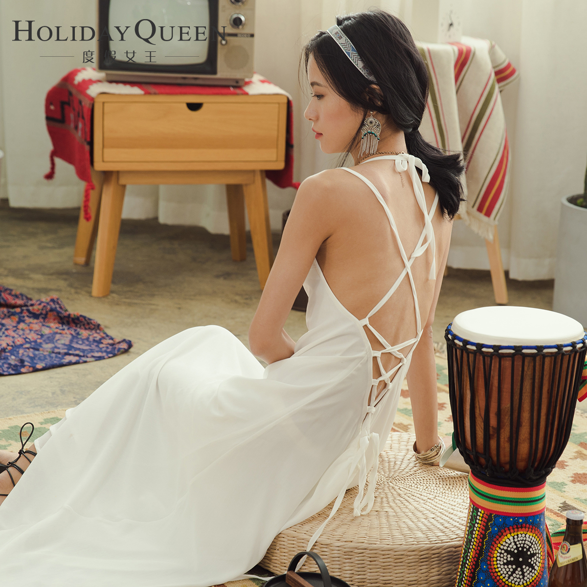 白色吊带连衣裙 度假女王巴厘岛海边度假沙滩裙长款白色连衣裙露背吊带长裙海滩裙_推荐淘宝好看的白色吊带连衣裙