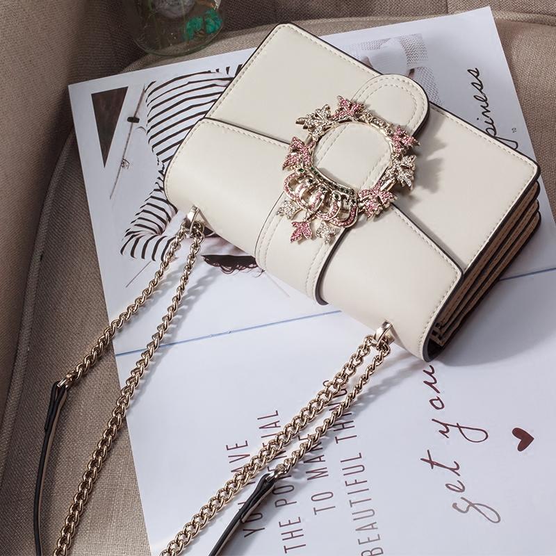 白色链条包 包包女2021新款斜挎链条包百搭ins白色时尚洋气夏季单肩镶钻小包_推荐淘宝好看的白色链条包