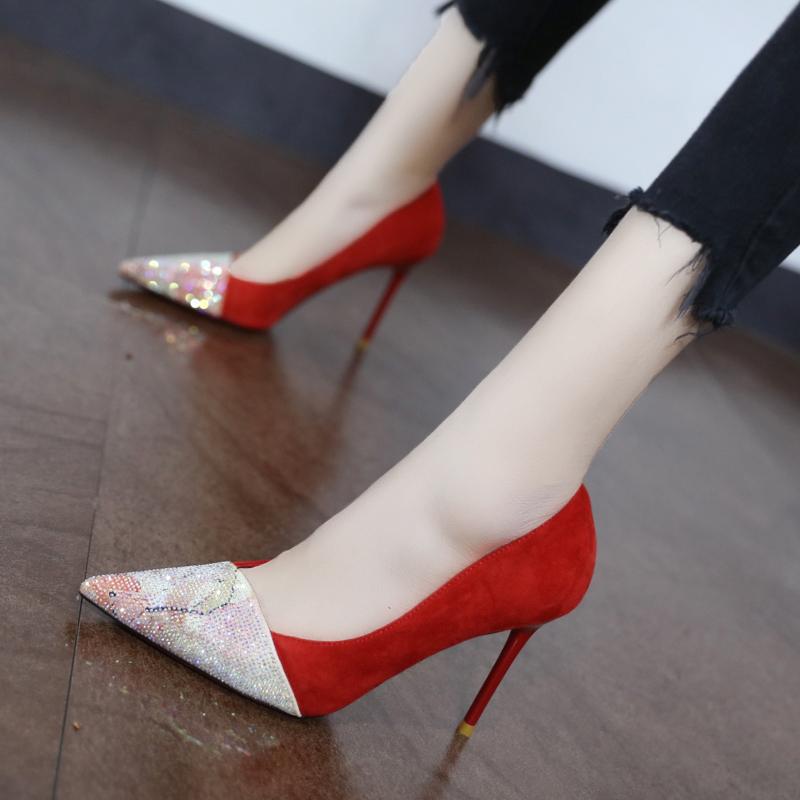红色尖头鞋 浅口水钻拼接时尚红色高跟鞋女2020早春新款百搭尖头细跟单鞋婚鞋_推荐淘宝好看的红色尖头鞋
