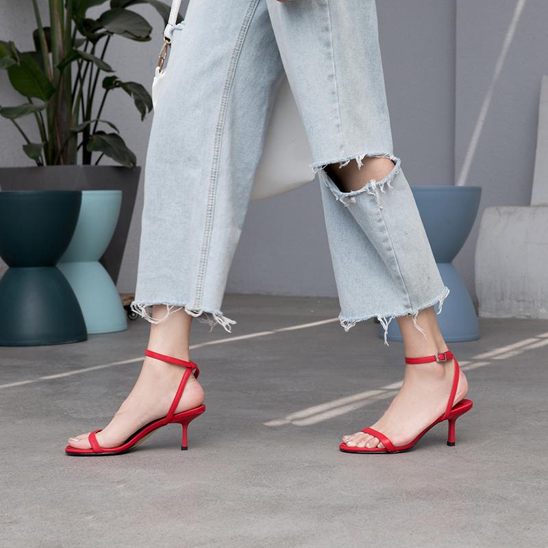 红色凉鞋 小跟凉鞋2021年新款女夏细跟ins潮红色法式猫跟细带一字带高跟鞋_推荐淘宝好看的红色凉鞋