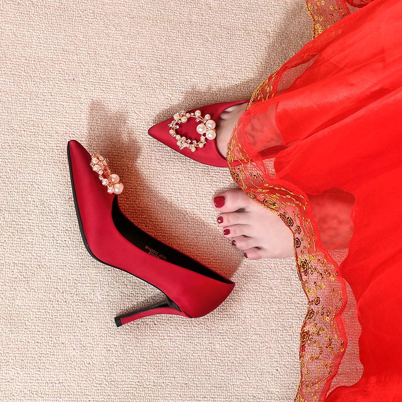 红色高跟鞋 婚鞋女2021年新款中式秀禾服新娘鞋结婚鞋子红色高跟主婚纱水晶鞋_推荐淘宝好看的红色高跟鞋