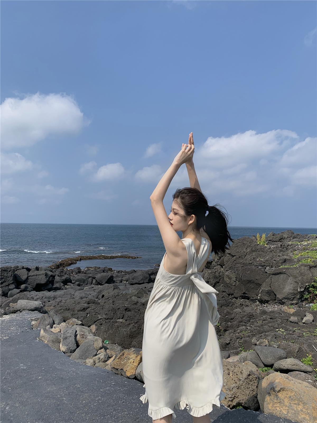 白色无袖连衣裙 LXLILIUM高品质丝质亮面背后蝴蝶结无袖连衣裙_推荐淘宝好看的白色无袖连衣裙