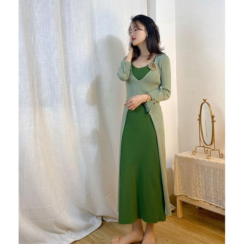 绿色连衣裙 肖夫人绿色兔绒针织裙套头连衣裙女早秋季长袖开衫外中长裙两件套_推荐淘宝好看的绿色连衣裙