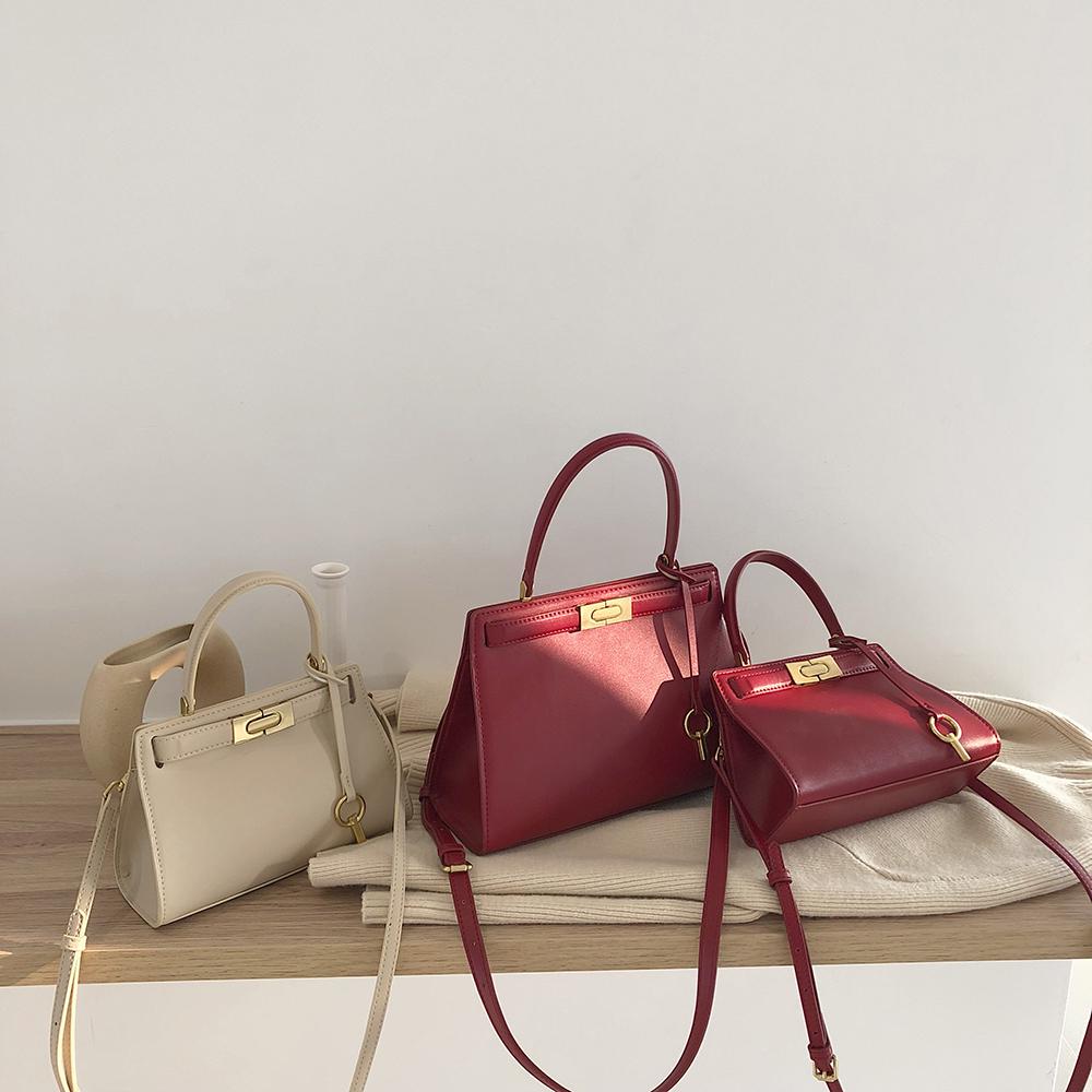 红色斜挎包 LOSEA 红色新娘结婚包手提包女包大容量包包2021新款潮单肩斜挎包_推荐淘宝好看的红色斜挎包