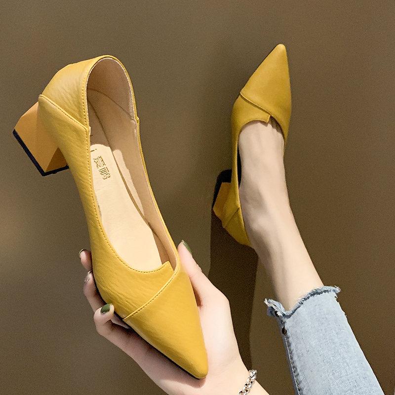 黑色尖头鞋 女鞋2021新款春季浅口尖头女士中粗跟单鞋网红晚晚两穿黑色高跟鞋_推荐淘宝好看的黑色尖头鞋