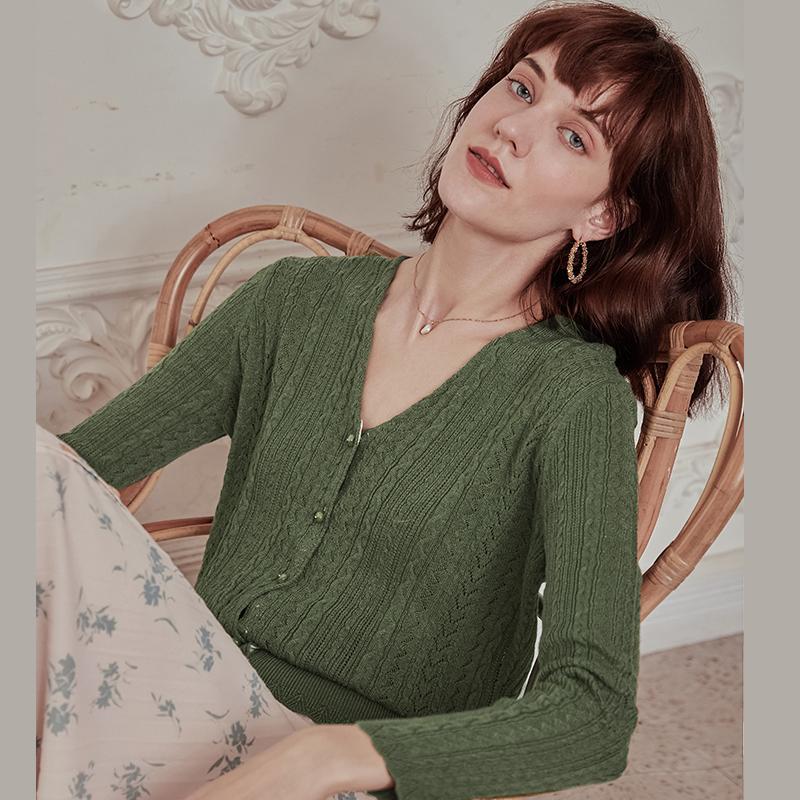 绿色针织衫 simple retro绿色法式复古针织开衫外套薄款初秋轻熟毛衣衫上衣女_推荐淘宝好看的绿色针织衫