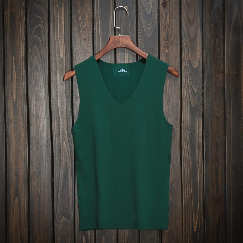 绿色背心 潮男士夏季款套头绿色V领背心冰丝清凉无袖汗衫运动休闲纯色背心_推荐淘宝好看的绿色背心