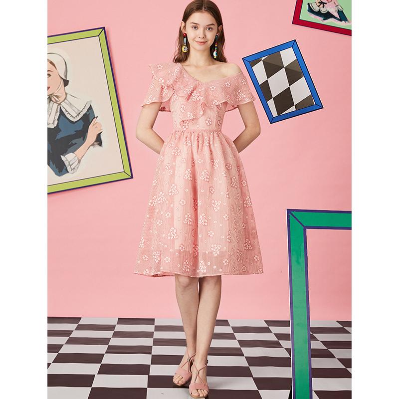 粉红色连衣裙 JUNGLE ME夏季薄款花边露单肩粉红色高腰超仙女连衣裙原创设计师_推荐淘宝好看的粉红色连衣裙