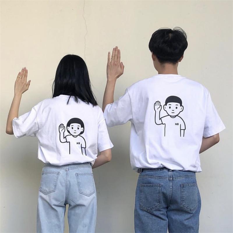 手绘白t恤 韩国手绘小口袋背后卡通人物举手白色宽松短袖T恤上衣男女情侣装_推荐淘宝好看的女手绘白t恤
