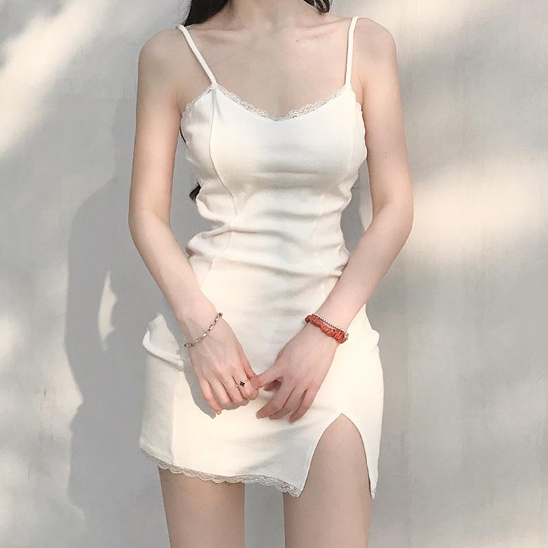 白色吊带连衣裙 欧美ins蕾丝拼接性感包臀开叉高腰修身显瘦锁骨内搭吊带连衣裙女_推荐淘宝好看的白色吊带连衣裙