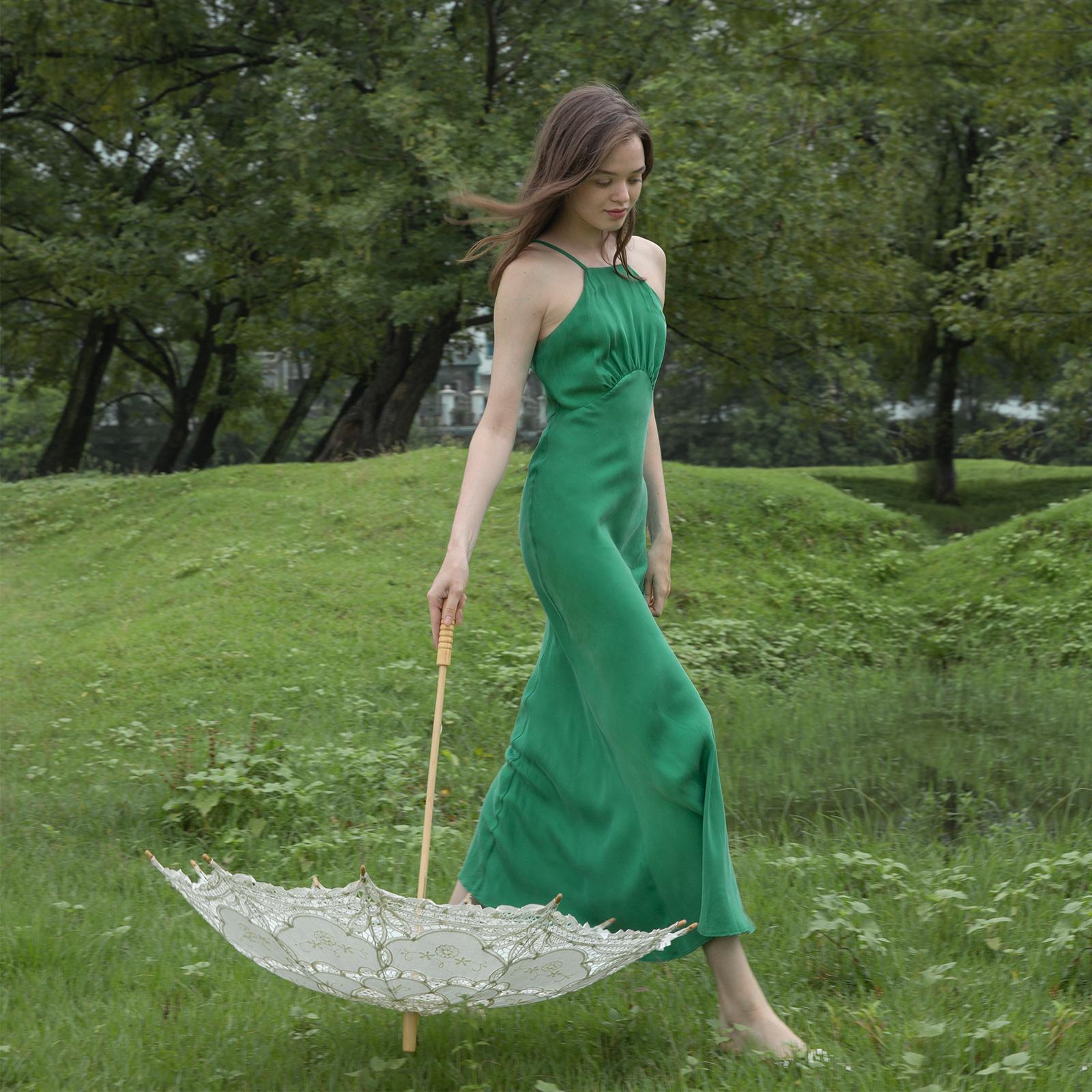 绿色背心 挂脖连衣裙优雅小众2020夏新款高端修身露背绿色背心渡假吊带长裙_推荐淘宝好看的绿色背心