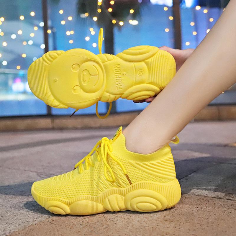 黄色运动鞋 黄色飞织运动鞋女2020春秋新款百搭弹力网面透气学生轻便跑步鞋潮_推荐淘宝好看的黄色运动鞋