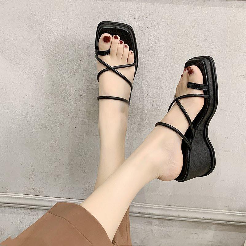 黑色罗马鞋 罗马凉拖鞋女外穿2021新款夏季坡跟时尚网红黑色夹趾高跟一字拖夏_推荐淘宝好看的黑色罗马鞋