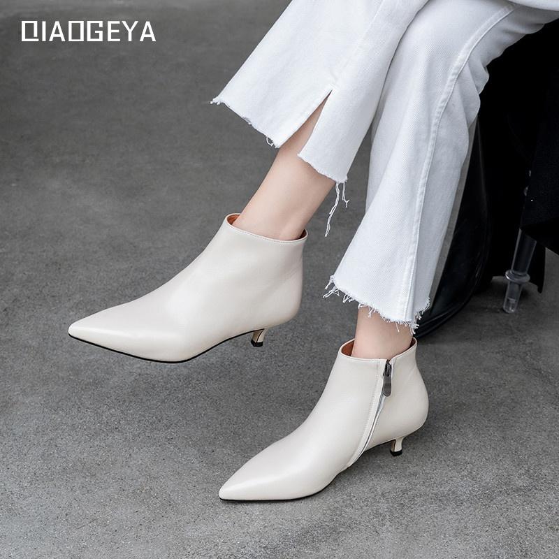 白色尖头鞋 猫跟短靴女裸靴2020新款秋冬靴子真皮细跟高跟踝靴白色尖头小跟鞋_推荐淘宝好看的白色尖头鞋