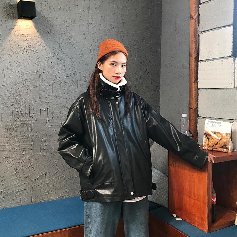 韩版机车皮衣 机车服外套女冬羊羔毛2020新款秋冬韩版宽松加绒加厚皮毛一体皮衣_推荐淘宝好看的女韩版机车皮衣