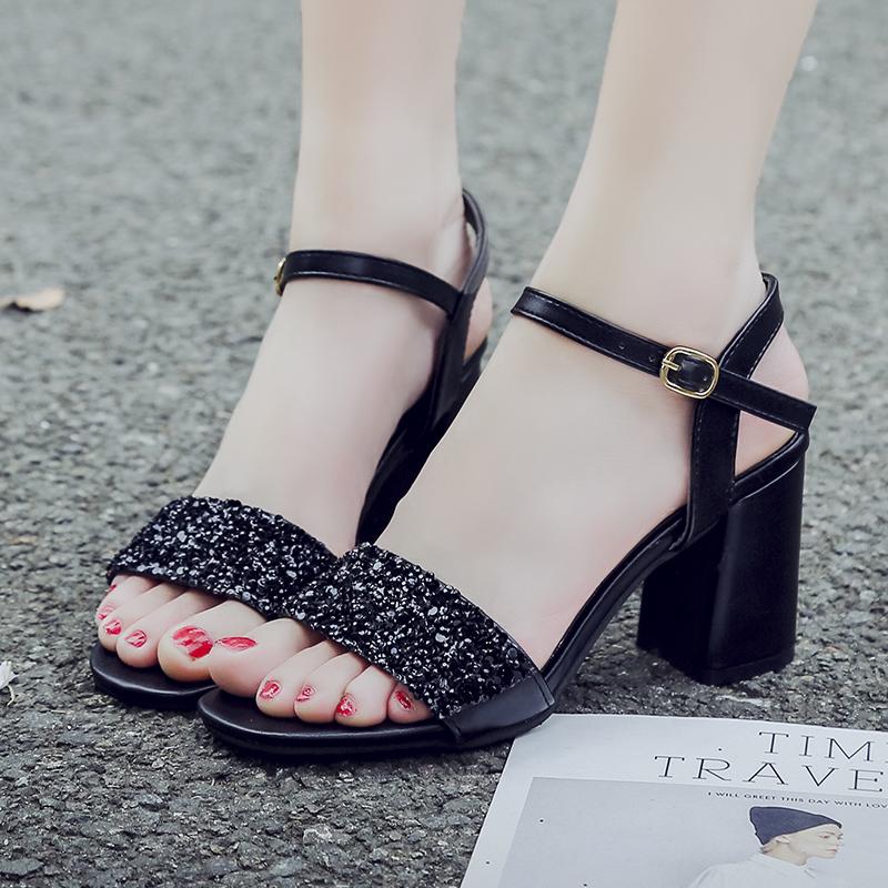 粗跟高跟鞋 粗跟高跟凉鞋女2021春夏新款韩版时尚一字扣中跟罗马露趾学生鞋_推荐淘宝好看的女粗跟高跟鞋
