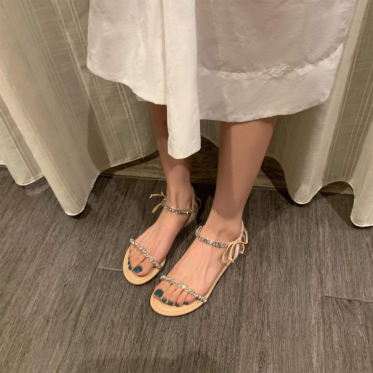 水钻罗马鞋 仙女风水钻中跟凉鞋女2021新款夏季一字带粗跟绑带时尚百搭罗马鞋_推荐淘宝好看的水钻罗马鞋