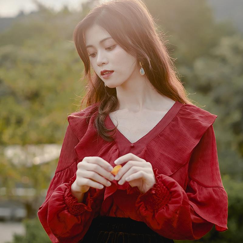 红色雪纺衫 蜜搭 复古法式长袖衬衣荷叶V领气质红色设计感小众雪纺衬衫女春装_推荐淘宝好看的红色雪纺衫