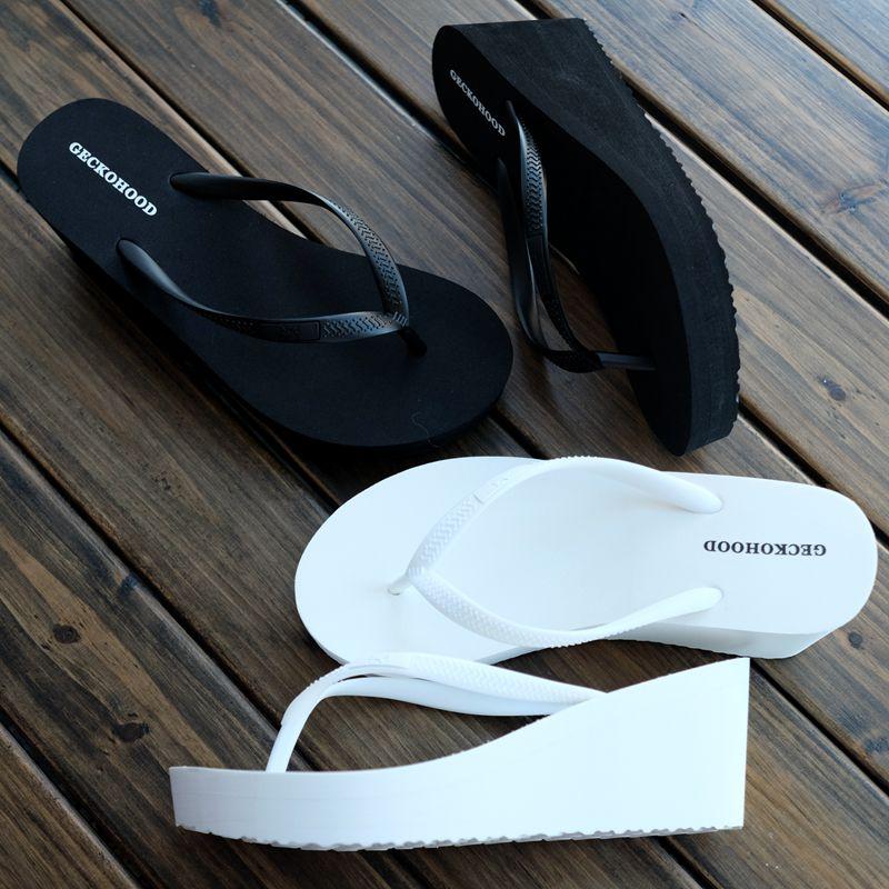 白色松糕鞋 夏新款坡高跟厚底松糕人字拖女增高显瘦欧美简约沙滩凉拖鞋黑白色_推荐淘宝好看的白色松糕鞋