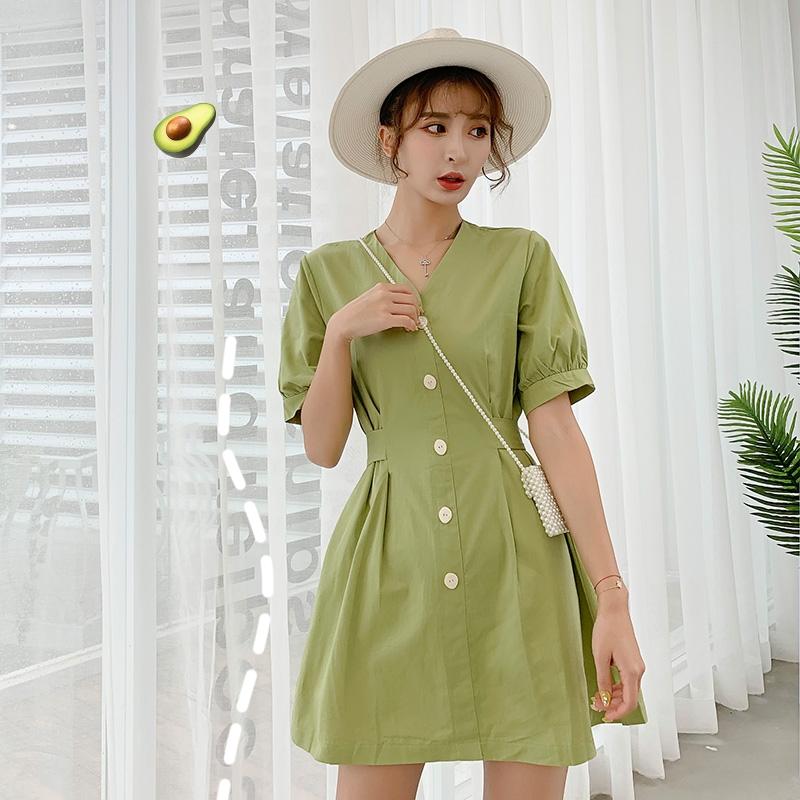 连衣裙 香港2020夏季新款桔梗裙子女法式复古高腰V领显瘦牛油果绿连衣裙_推荐淘宝好看的连衣裙