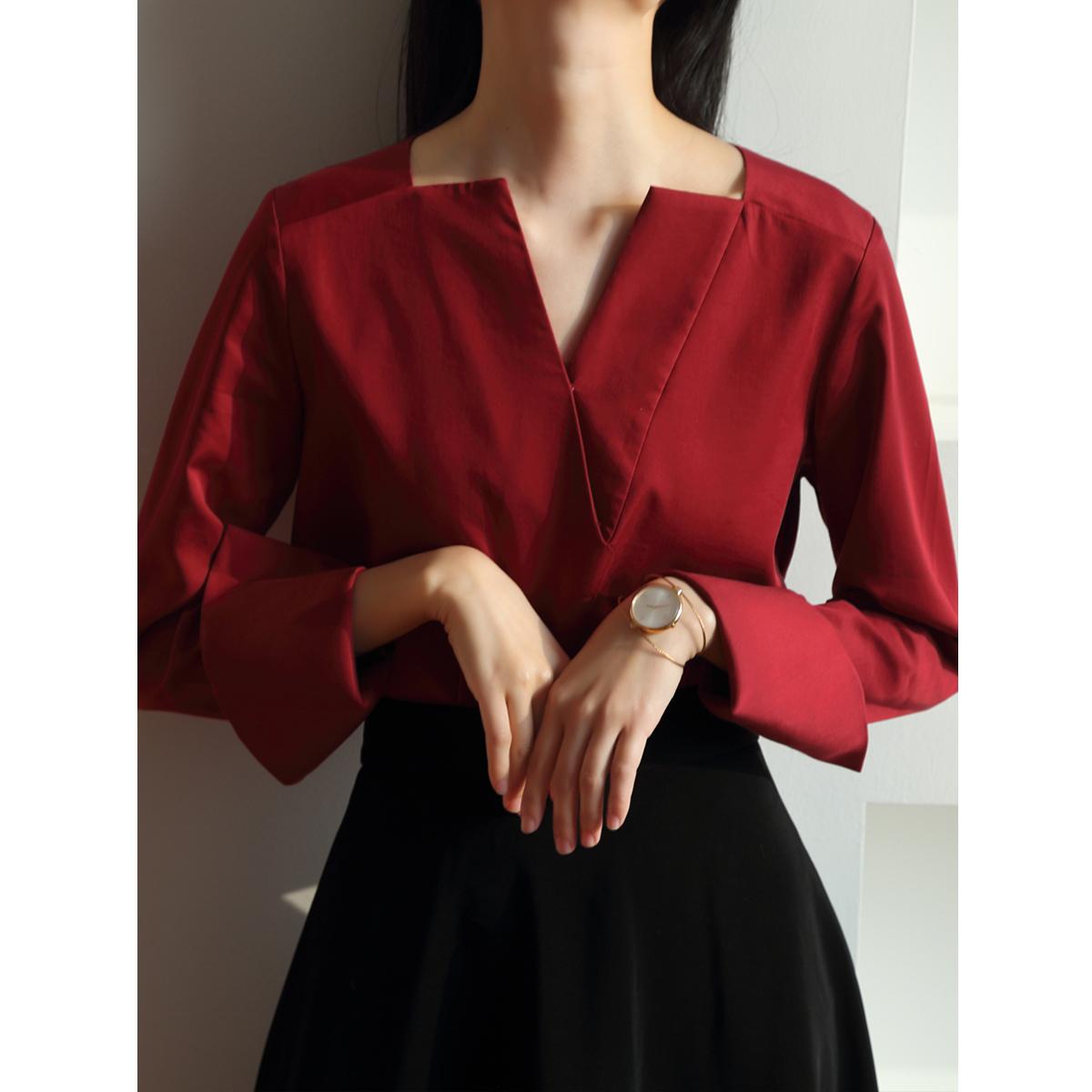 红色衬衫 SS STUDIO 通勤红色衬衫女设计感小众复古港味V领洋气宽松长袖春_推荐淘宝好看的红色衬衫