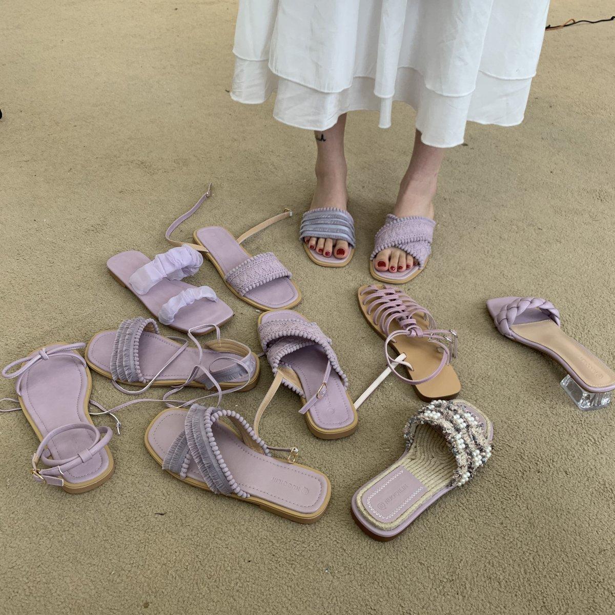 紫色凉鞋 紫色系~韩国东大门女鞋一字平底拖鞋2020夏季新款显瘦罗马凉鞋女_推荐淘宝好看的紫色凉鞋