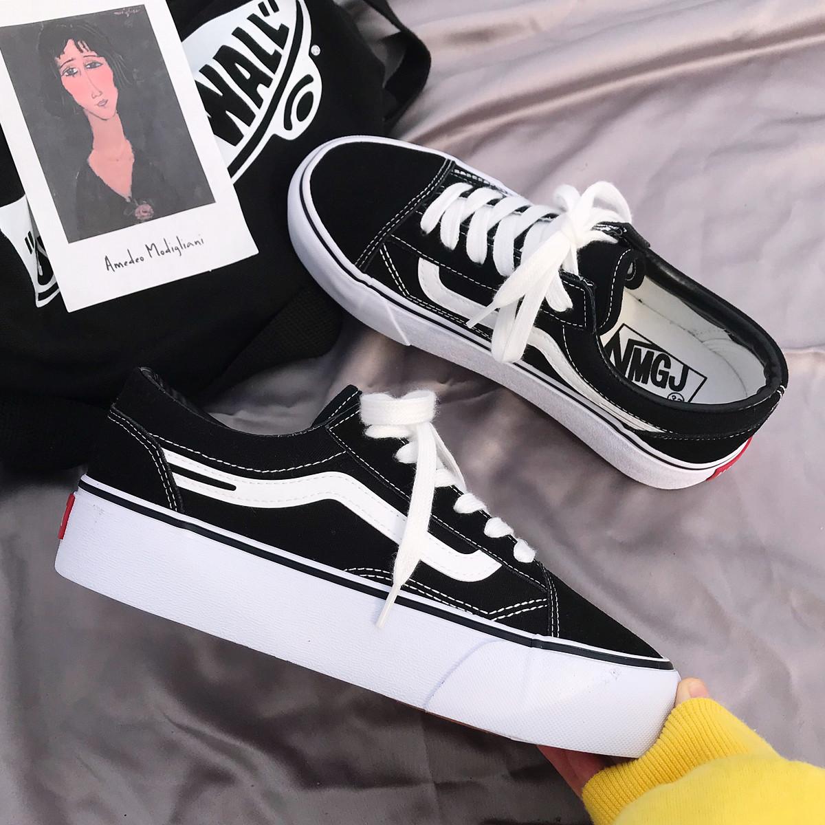 韩版松糕鞋 ins潮鞋经典黑色厚底增高帆布鞋女2020新款学生韩版百搭松糕板鞋_推荐淘宝好看的女韩版松糕鞋