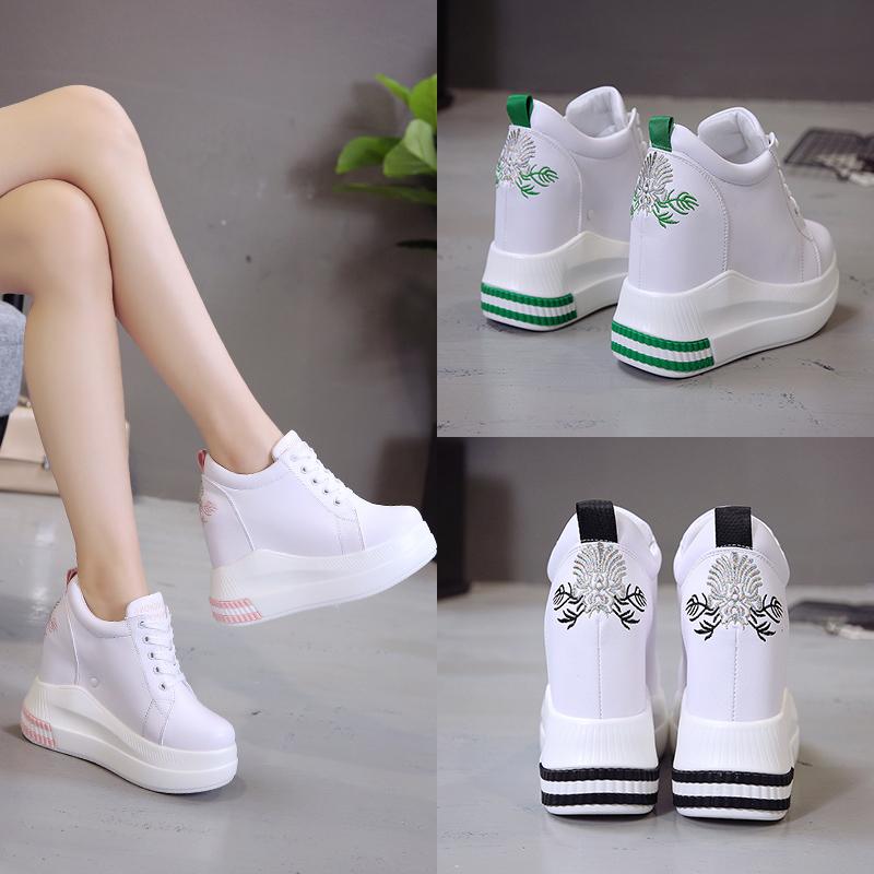 白色松糕鞋 内增高女鞋10cm白色厚底松糕鞋秋季显瘦高跟休闲运动鞋刺绣_推荐淘宝好看的白色松糕鞋