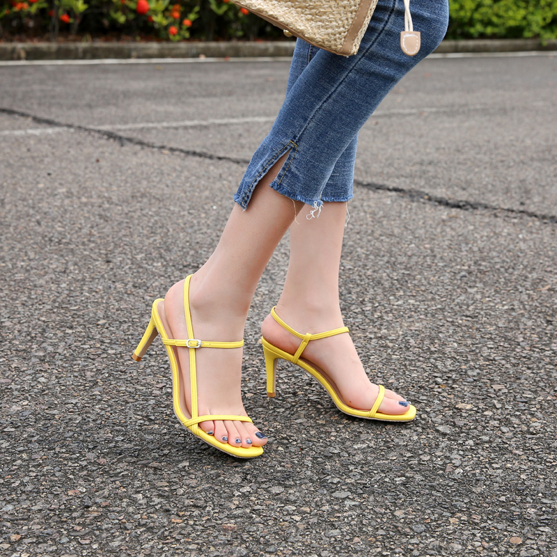 黄色鱼嘴鞋 网红同款仙女风ins潮欧美高跟细跟凉鞋女一字百搭露趾黄色学生鞋_推荐淘宝好看的黄色鱼嘴鞋