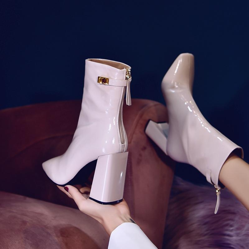 白色高跟鞋 白色靴子2020秋冬新款女中筒靴漆皮高跟鞋粗跟方头马丁靴加绒短靴_推荐淘宝好看的白色高跟鞋