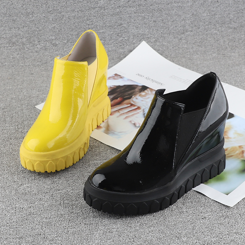 黄色坡跟鞋 欧洲站漆皮女鞋2021秋季新款10cm内增高圆头坡跟黄色一脚蹬单鞋女_推荐淘宝好看的黄色坡跟鞋